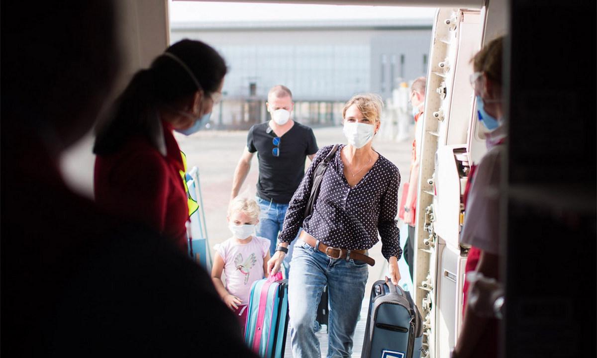 пассажирка, самолет, коронавирус