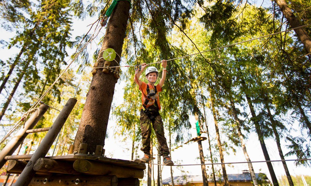 ребенок в веревочном парке, норвей парк петрозаводск, карелия, мама года 2020, веревочный парк, лотос плаза, norway park karelia