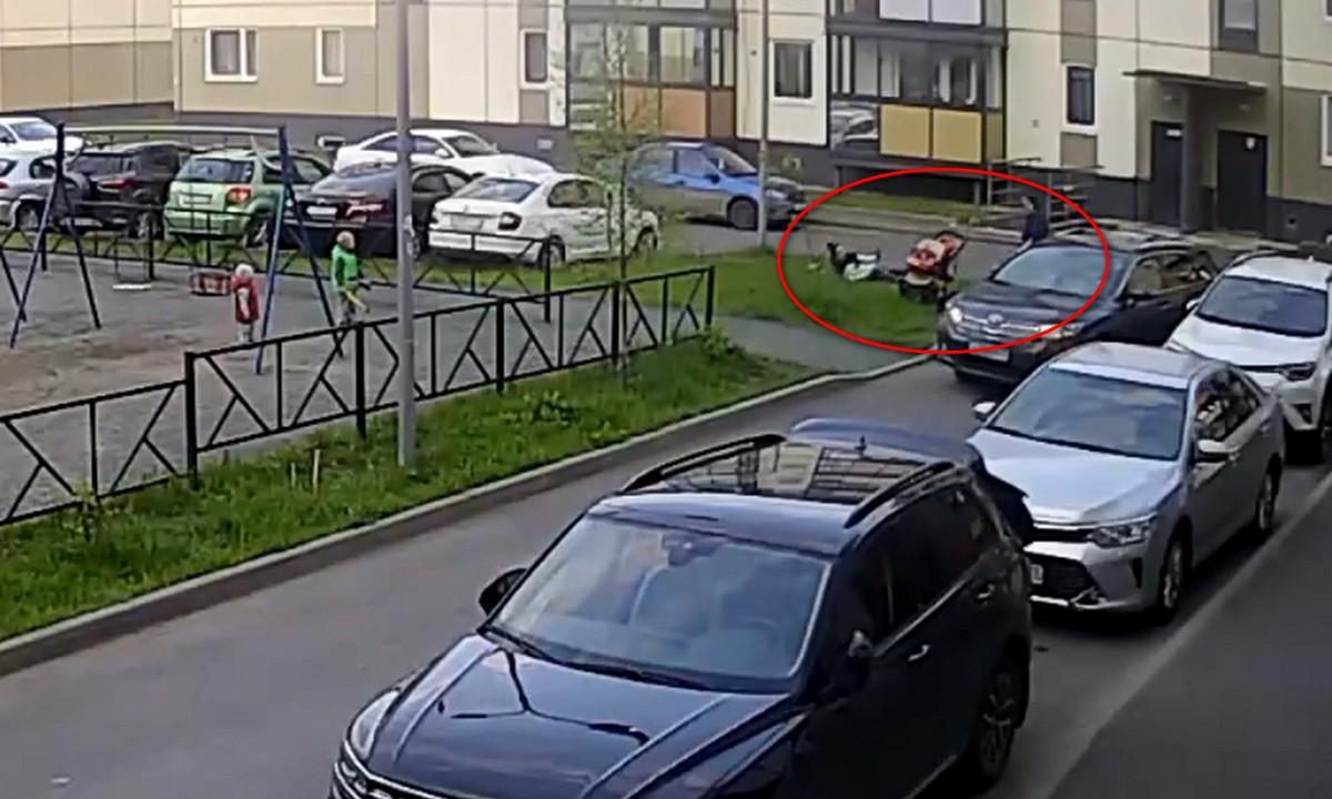 избила женщину на детской площадке в Петрозаводске