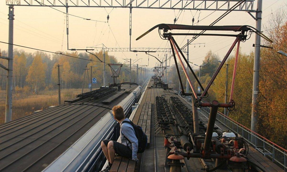ток, поезд, мальчик