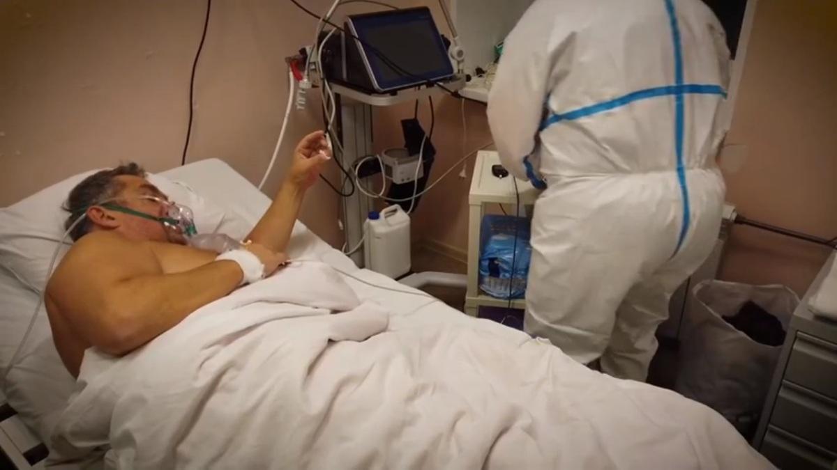 больной коронавирусом в больнице