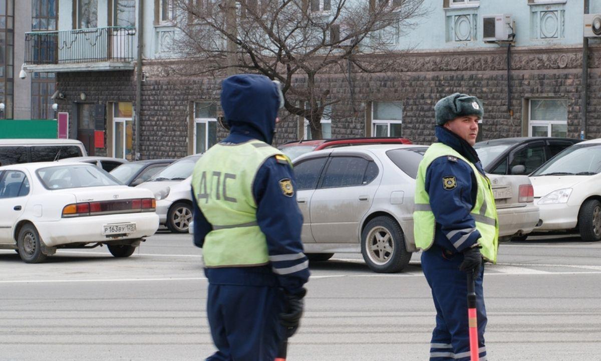 ГИБДД сотрудники зимой патруль