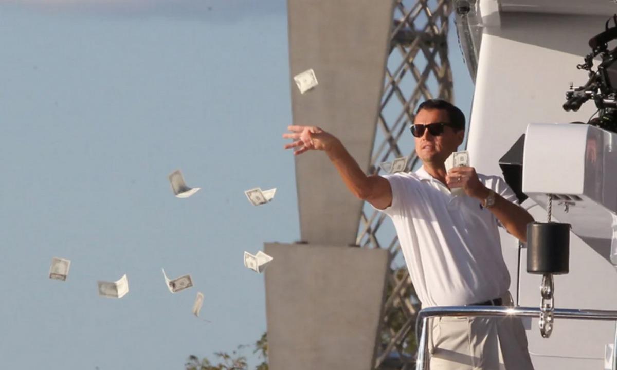 Ди Каприо сорит деньгами