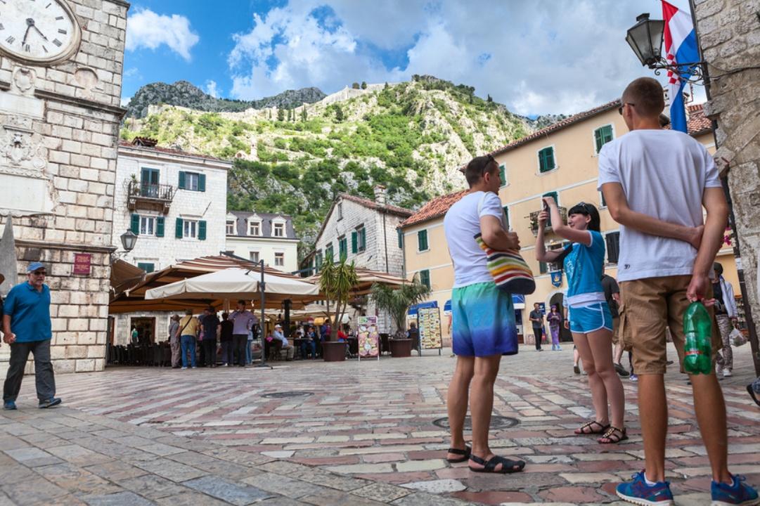 Туристы в Черногории