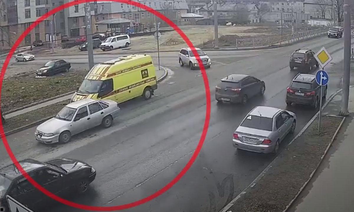 ДТП со скорой произошло в петрозаводске