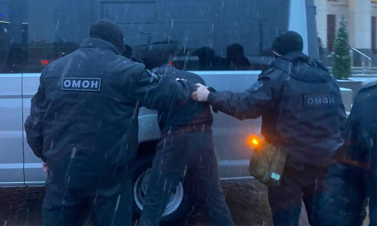 Избитый ОМОНом на вчерашнем митинге написал заявление в полицию на сотрудников Росгвардии