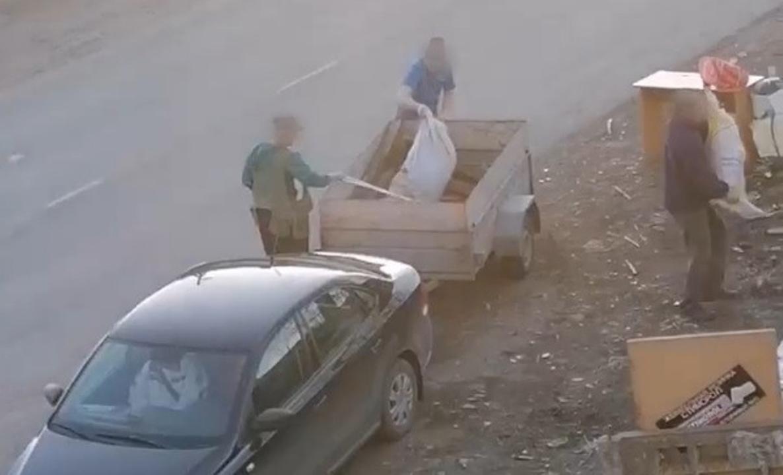 Нарушители выбрасывают шины