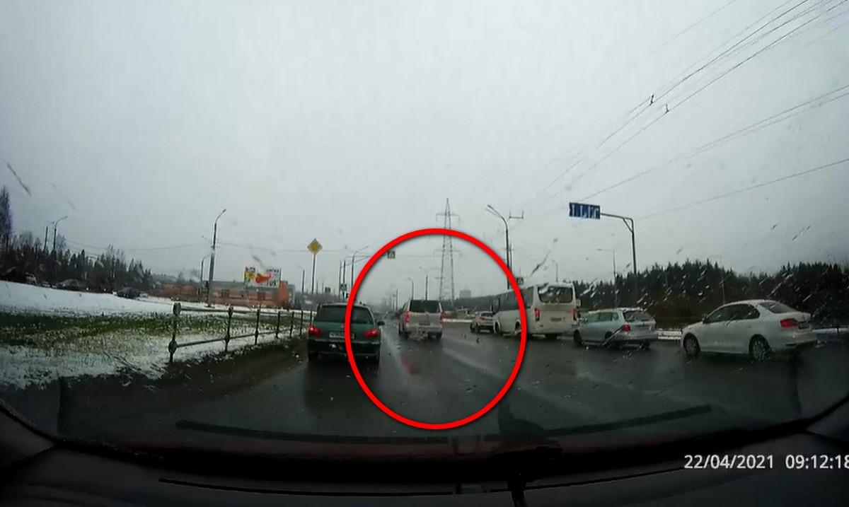нарушает правила в Петрозаводске
