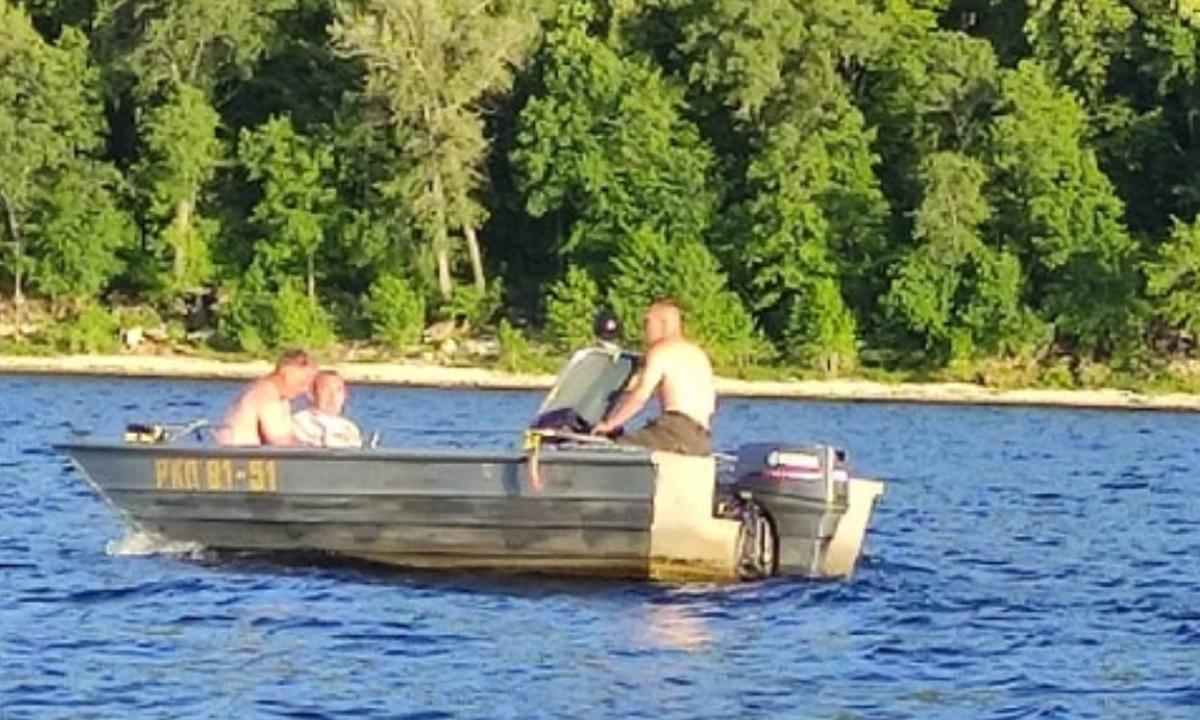 Катер с пьяными депутатами «ЕдРа» врезался в лодку семьей: тело одного пострадавшего не могут найти