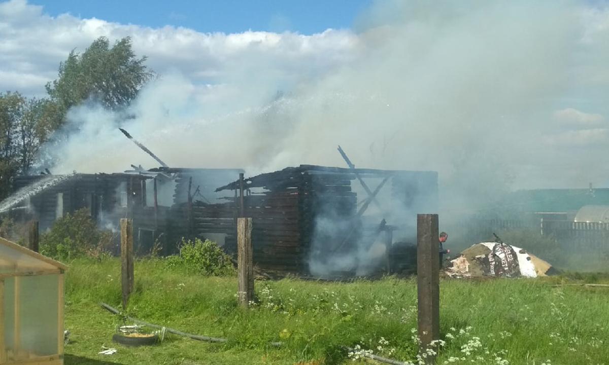 В Карелии пожар уничтожил дом