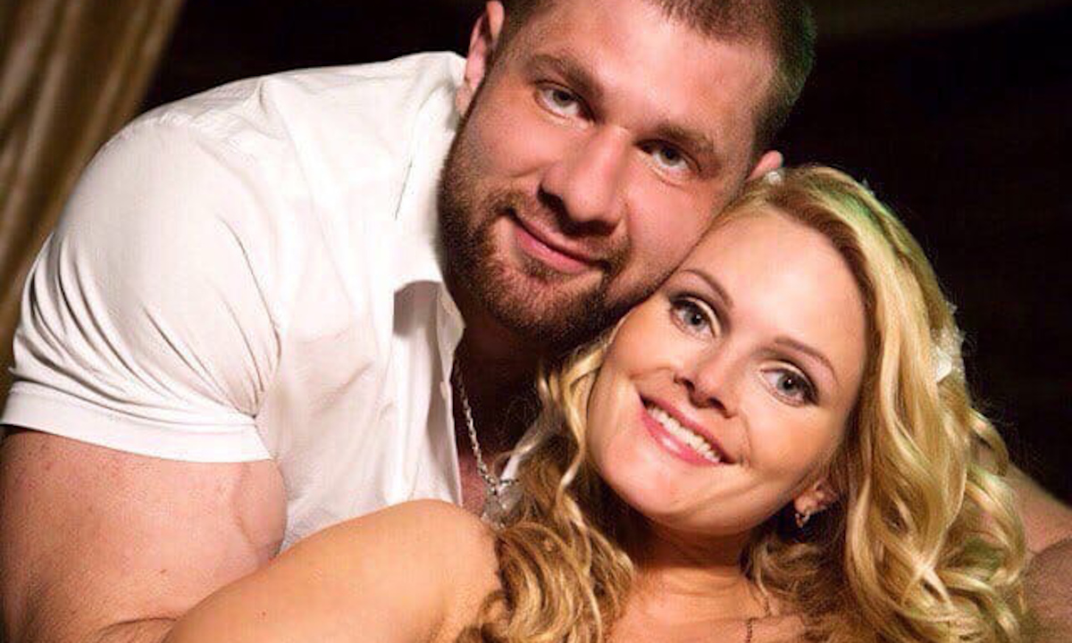 артем прасолов с женой