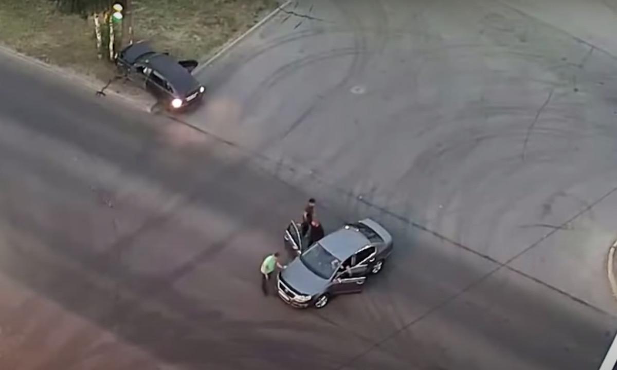 драка после аварии в Петрозаводске