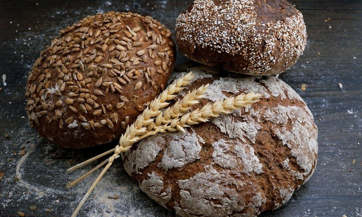 хлеб, булки, стол
