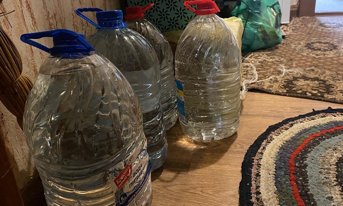 Жильцы трех многоквартирных домов в Карелии месяц провели без холодной воды