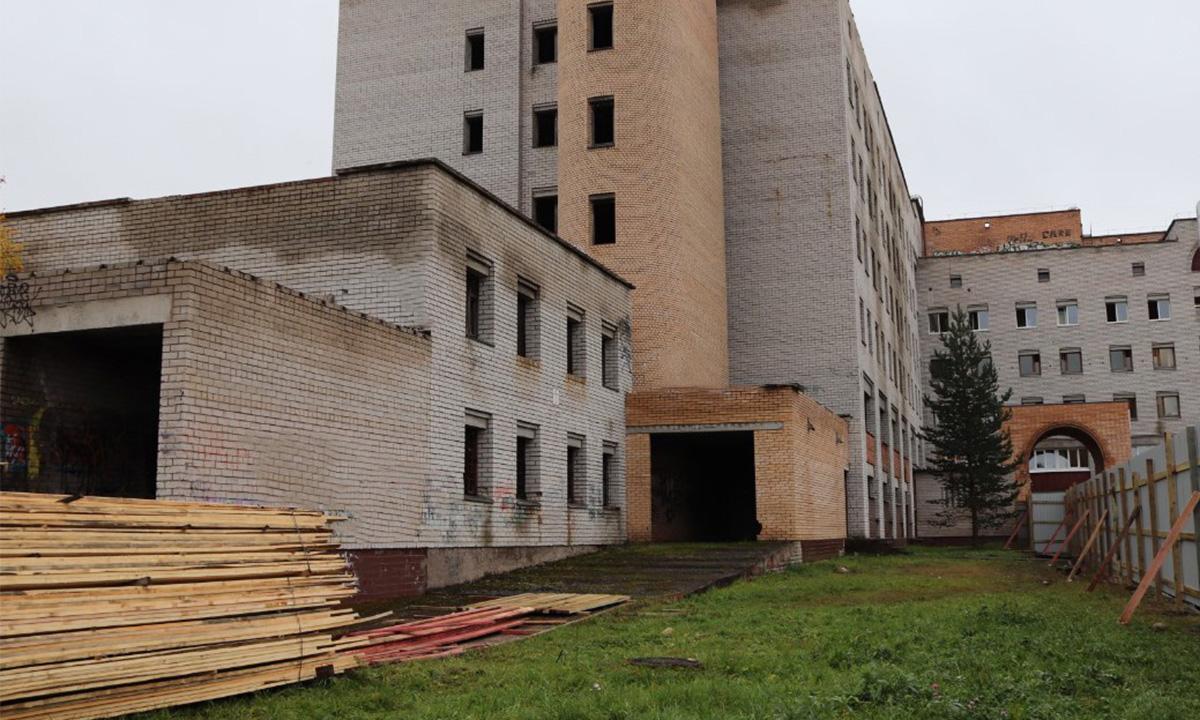 Стало известно, когда закончат реконструкцию больницы на Древлянке