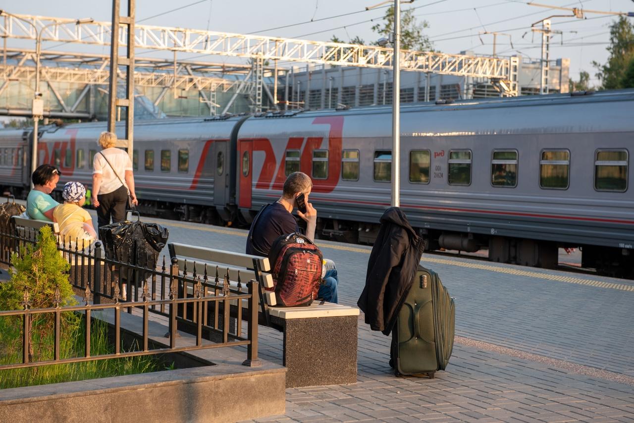 поезд на вокзале Петрозаводска