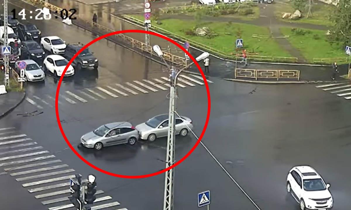 В Петрозаводске случилась авария из-за неопознанного объекта