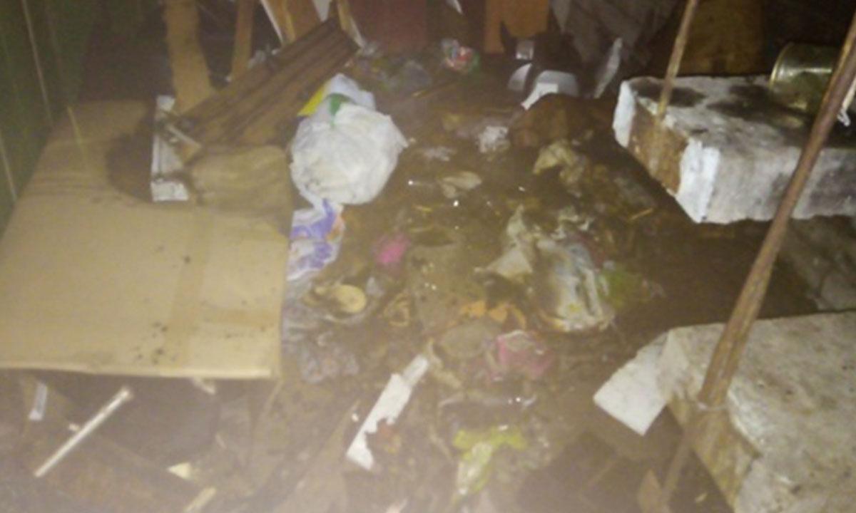 «Весь этаж в дыму». Крупный пожар в Петрозаводске глубокой ночью загорелся балкон