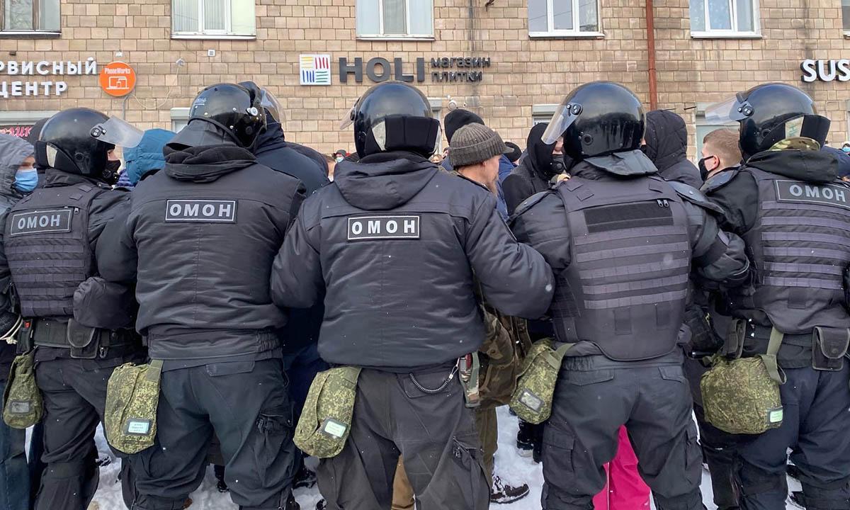 В России планируют проиндексировать зарплаты военным и силовикам