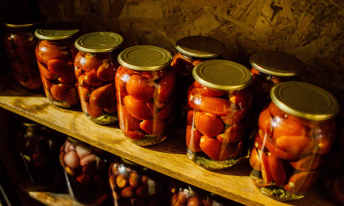 помидоры в кладовой