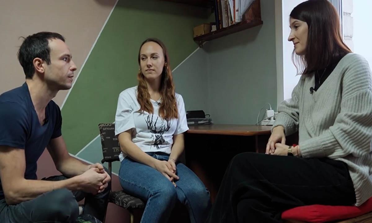 Известного петербургского режиссера вместе с труппой уволили из театра в Мотыгино